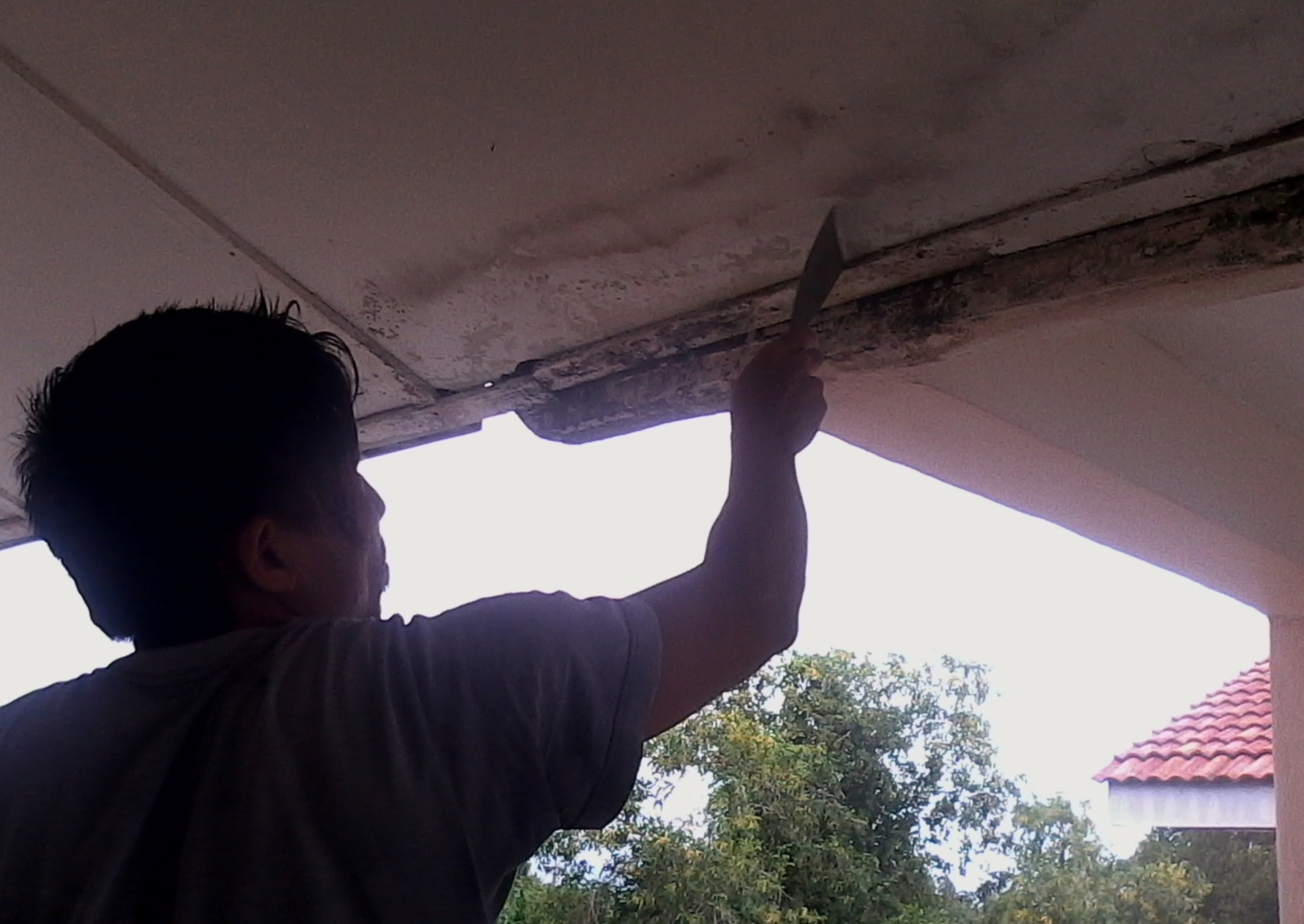 Cleaning and repair ceiling surface